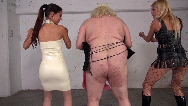 That is not a slave - Lady Natalie Black, Mistress Susi
