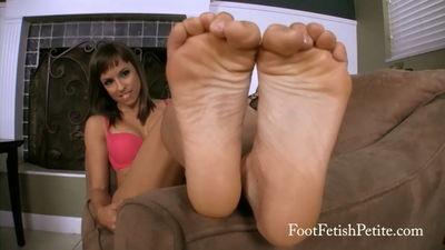Foot Fetish Petite - Are You Horny? Alyssa Kayson