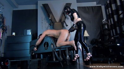 Kinky Mistresses - Latex Lucy Take My XXL Strap-on HD
