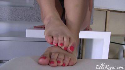 Ella Kross - Worship my smelly feet