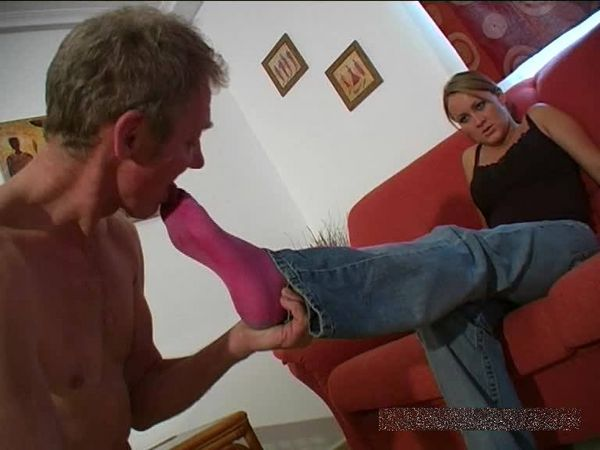 FemdomShed - Princess Amber - Worship my stinky pinky socks