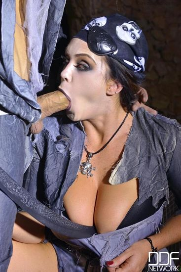 Alison Tyler – Dark Pirates' Nest: Busty Pirate Enjoys Zombie Cock – 10/30/16 – FullHD 1080p