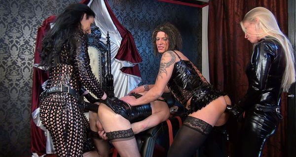 Two ladies with xl strapons - Kacy Kisha, Lady Luciana