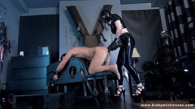 Kinky Mistresses - Latex Lucy Take My XXL Strap-on HD
