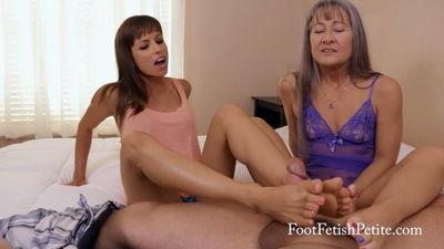 Foot Fetish Petite - What's a Footjob? Alyssa Kayson, Goddess Leilani