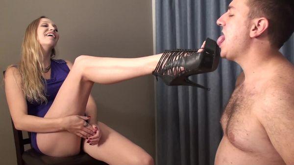 Tiffani - Sorority Bitch gets worshiped by a Dweeb