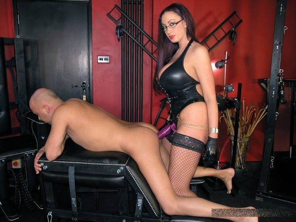 TheEnglishMansion - Mistress Pandora - Strapon Queen complete