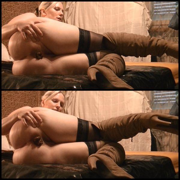 (13.10.2015) Thick poop in new hot boots – Dicke Kacke in neuen heissen Stiefeln