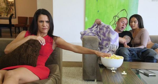 Brother And Sister in Front of Mom – Maya Bijou HD