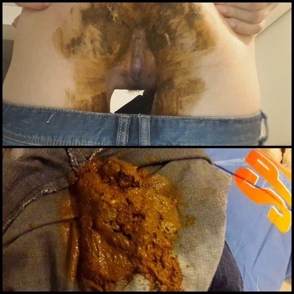 Blonde Hard Rub Jeans Poop