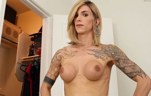 Nina Lawless – Kendra Sinclaire – Mommy Catches Me Watching Her Get Undressed HD