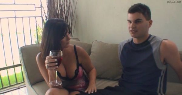 Charlie – Hot mom wants dick of 22- year-old son and gets caught by husband HD
