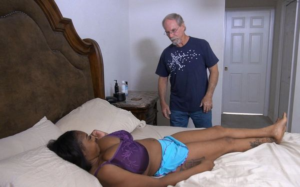 Uncle Jack Likes My Rack – Rachel Raxx HD MP4