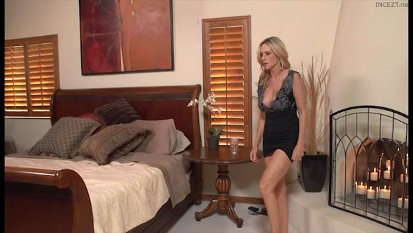 Trapped Mother – Jodi West HD