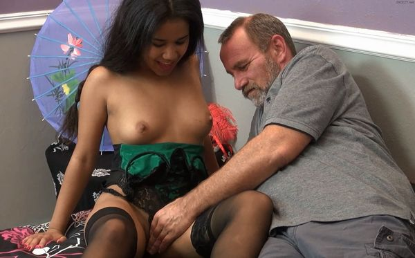 Daddys Special Package – Loni Legend HD MP4