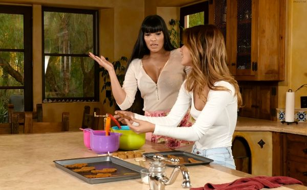 Mercedes Carrera and Uma Jolie – Baked Goods HD