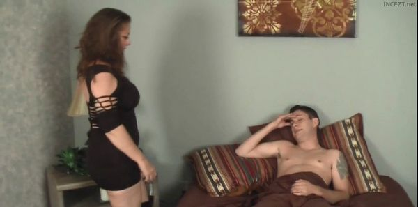 Mom Shows Off Her Slut Clothes – Margo Sullivan HD