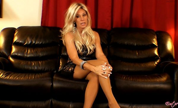 Erotic Nikki – StepMom Drains your Balls HD 1080p