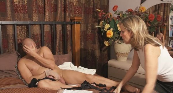 Stocking Stealer Mother And Son – Jodi West HD