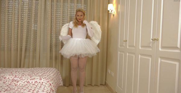 Even the big guys like you deserve their special HALLOWEEN!!! Sweet Angel is hungry for your semen!!!