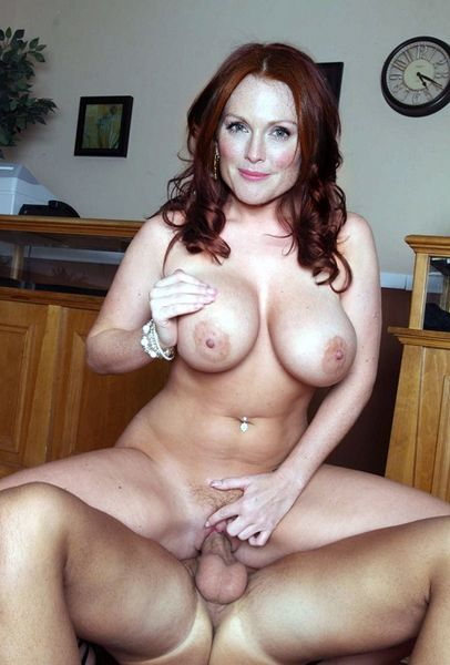 Julianne Moore Sexy Pictures