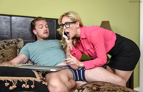 Mom's Got A Meeting – Cherie Deville HD