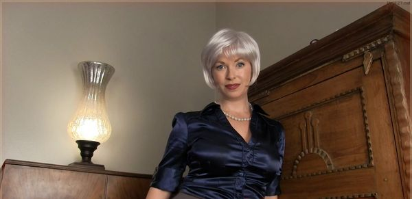 Mom's Satin Panty Boy HD