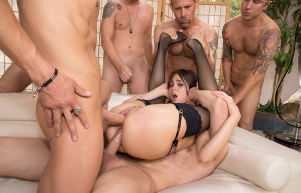 Job MMMMMMM amandine tasted her first double penetration this woman