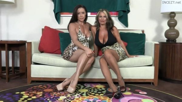 Goldie Blair, Christina Carter – Mother And Aunt Tease!