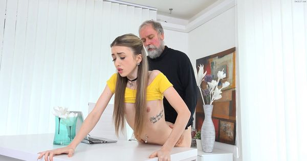 Very Helpfull Grandpa HD