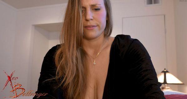 Mommy's Tight Vagina – Xev Bellringer HD