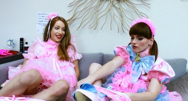 Sasha de Sade & Natalie Mars – Daddys To-Do List HD