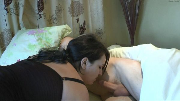 Syrial Fantasizes About Fucking Her Own Brother! / Syrial Fantasme Sur La Baise Avec Son Frère!