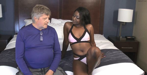 Skyler Nicole – Ebony Cutie Fucks He Stepdad HD