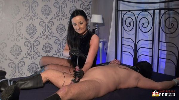 Kinky Mistresses Electro Punishment