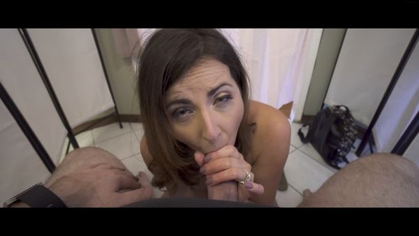 Helena Price – Mom And Son Share A Changing Room HD
