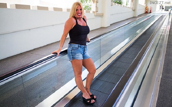 Horny swinger milf wants adventure