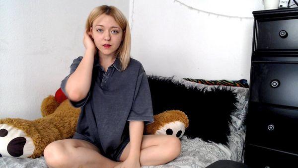 Cumming in daddies dirty tee shirt – KalliyaRose HD
