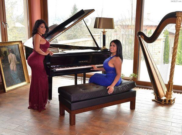 REAL Twin Sisters! Sheila Ortega, Kesha Ortega – Busty Lesbians Cum Hard HD