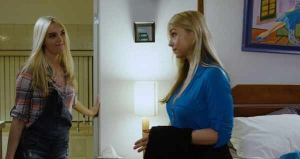 HEART-TO-HEART WITH MOM – Sarah Vandella and Kenna James HD [Untouched 1080p]