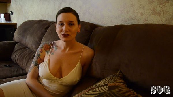 Bettie Bondage – My Daddy's Getting Married HD
