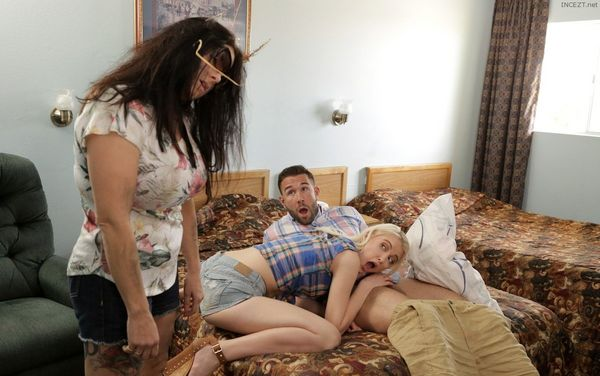 Chloe Cherry – Jizzwold Family Vacation Part 3 HD [Untouched 1080p]
