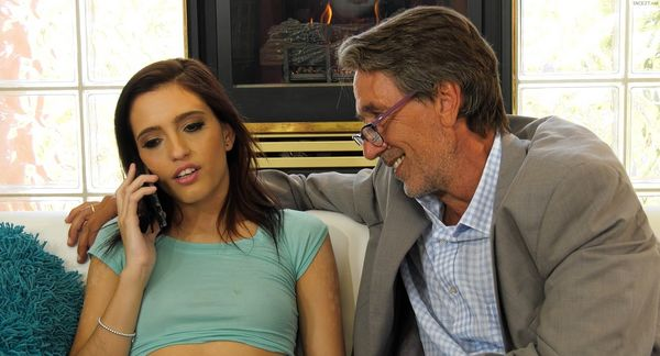 Daddy's Girl – Brooke Haze 1080p HD [Untouched 1080p]