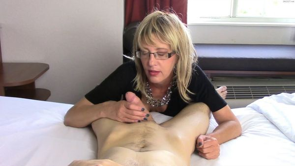 Cum for Mommy – Your Friends Are Gonna Be So Jealous: Mom Gives Son Sloppy Blow Job HD