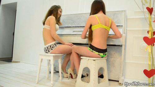 MarvelCharm Rebecca & Rikki – Friends Video