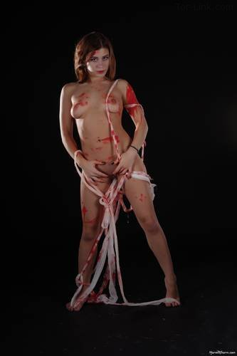 MarvelCharm Gabriella - Red Paint