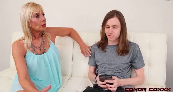 Presley St Claire – Fucking Mom Right HD