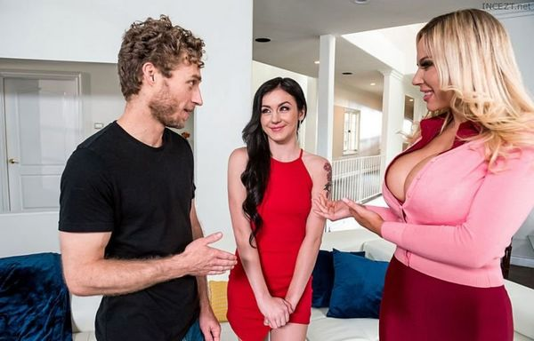 Learning From Stepmom – Olivia Austin, Rosalyn Sphinx HD [Untouched 1080p]
