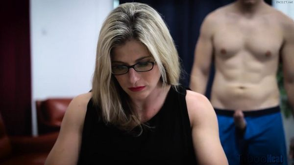 Cory Chase in Family Cums First – Pop Tarts HD