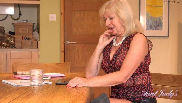 Auntie Louise Home Office Seduction HD [Untouched 1080p]